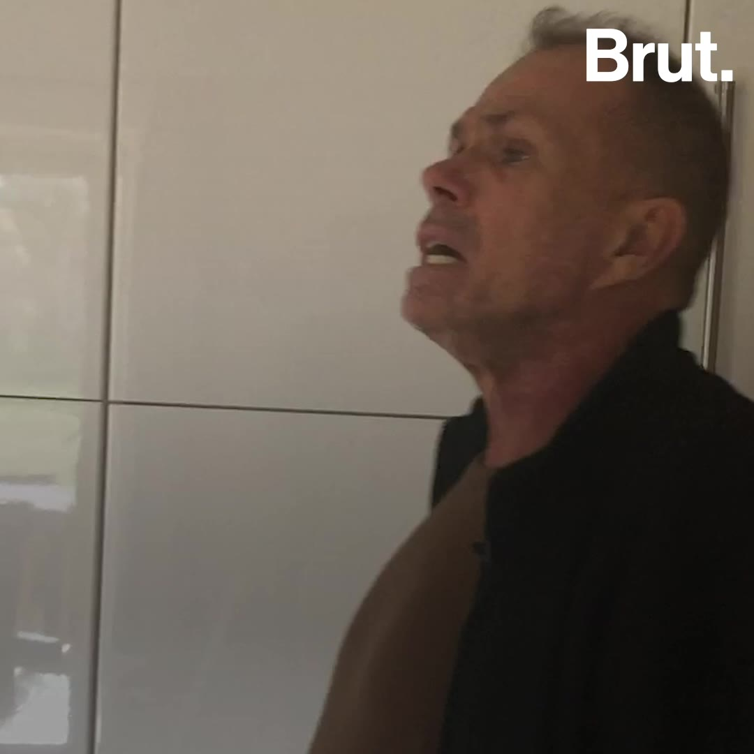 Il perd la vue et devient architecte d'intérieur | Brut.