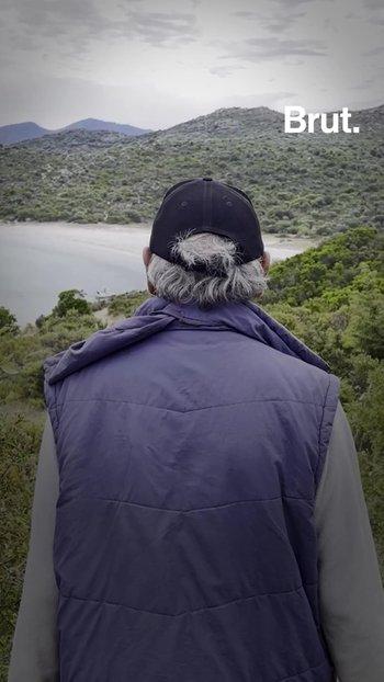 """Con 77 años, Jo vive aislado en Córcega, lejos del """"mundo de los locos"""""""