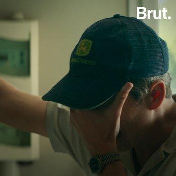 """Dans """"Au nom de la terre"""", Edouard Bergeon raconte l'histoire de son père agriculteur"""