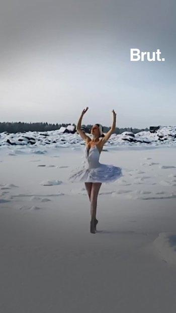 Esta bailarina rusa desafía a Putin interpretando 'El lago de los cisnes'