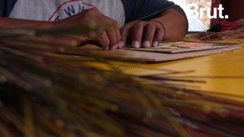 """José Morales perpétue l'artisanat du """"popotillo"""" au Mexique"""
