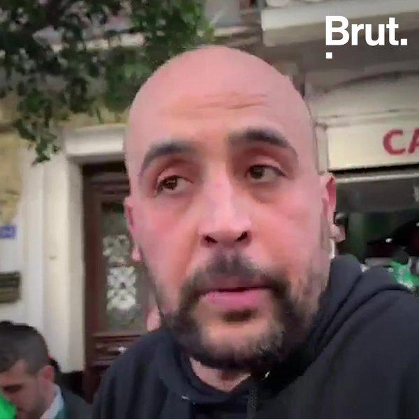 """En Algérie, la """"révolution du sourire"""" pacifique"""
