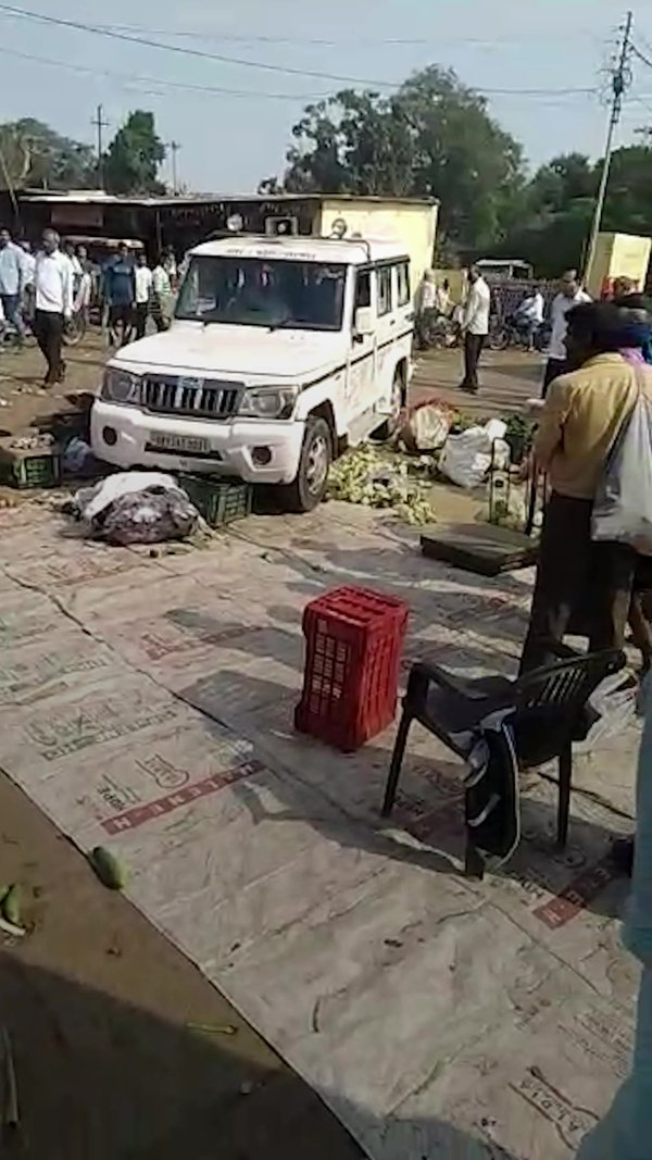 Government Car Runs Riot In UP Farmers Market